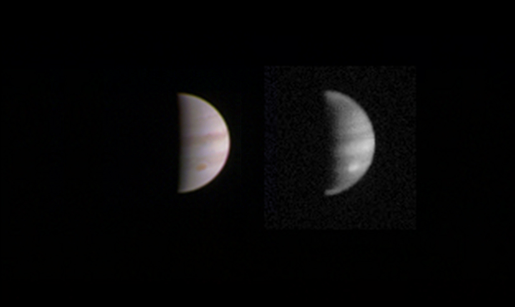 Этот двойной снимок Юпитера был сделан 23 августа, когда космический аппарат НАСА «Юнона» находился на расстоянии 2,8 миллиона миль (4,4 миллиона километров) от газового гиганта. Credits: NASA/JPL-Caltech/SwRI/MSSS